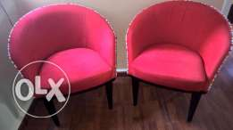 2 bergeres color red ... Good condition