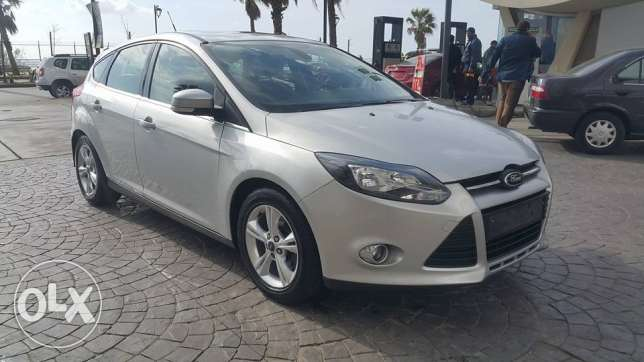 Ford Focus Hatch Back 2013//2.0 Fully loaded مصدر الشركهSilver