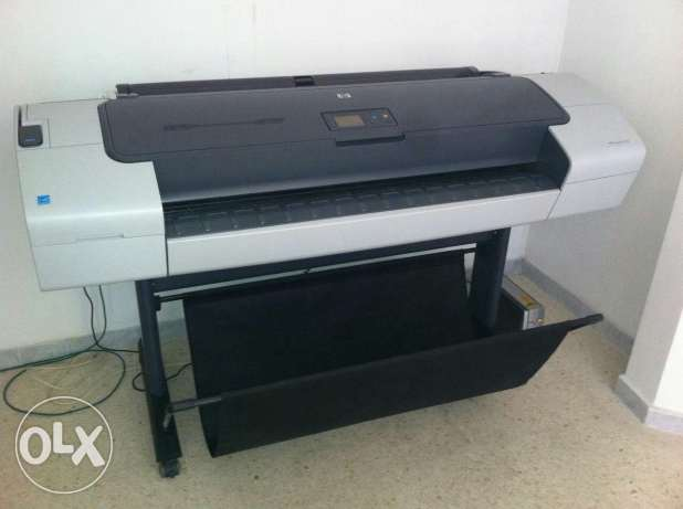 Plotter hp design jet T770 بعبدا -  1