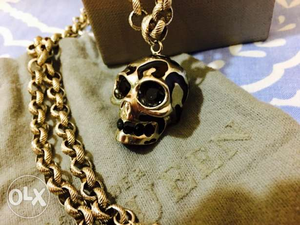 large Alexander McQueen enameled silver skull necklace,black Swarovski