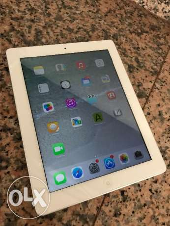White iPad 3rd gen. 16GB with WiFi and internet.