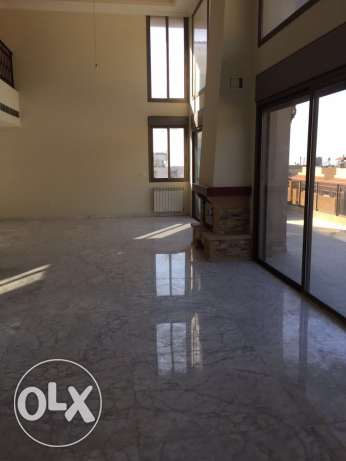 Amazing Triplex 600 m2 for rent in Baabda
