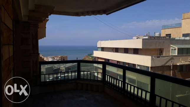 In jnah 300m2 semi furnished app for rent