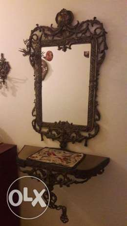 A sublime very luxurious bronze mirror with stand
