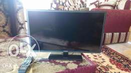 "Excellent condition Hyundai 24"" LED TV"