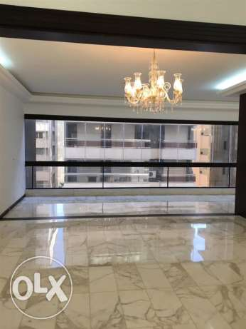 Talet Khayyat: 275m apartment for rent.
