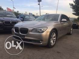 2010 BMW 740iL**60.000 km**lebanese source**0 accident