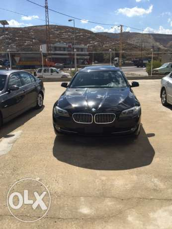 bmw 528i 2011 black xenon checheh شكا -  2