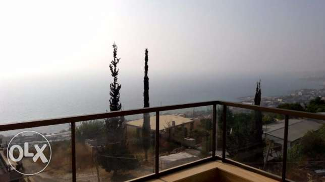 200 m2 apartment for sale in Halat (sea and mountain view)
