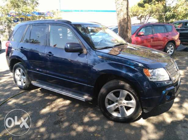 suzuki grand vitara 2010 full option clean carfax 4 cylinder عاليه -  4