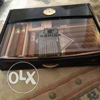 cigar box / 2 limited whiskey