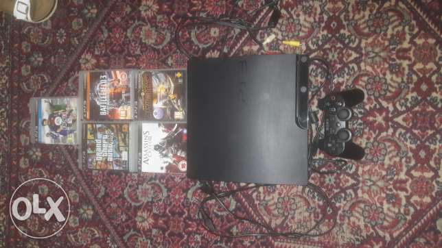 Ps3 with 5 cds 320 gb