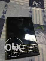 Black berry perfect condition for sale very clean with all accessories