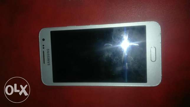 For sale Samsung galaxy A3 5are2 silver very clean الملعب -  1