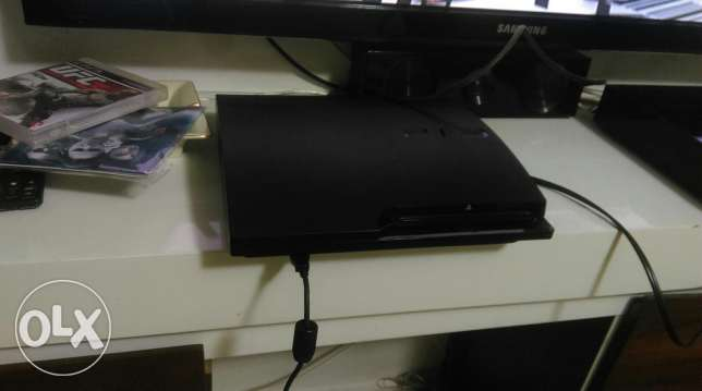 (Trade on xbox )Ps3 250gb with 1 joystick 5 games
