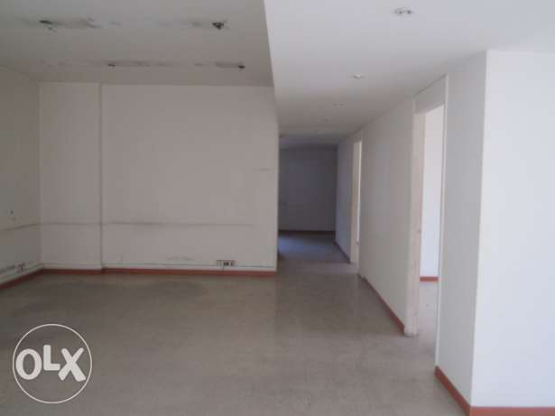 MK601 Office for rent in Hamra, 140 sqm, 3rd floor.