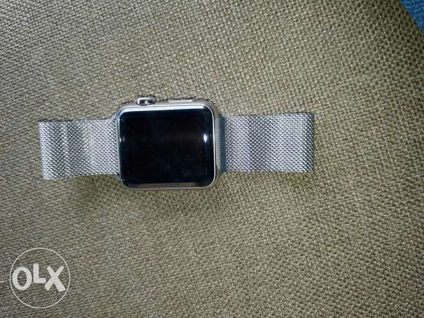 Apple watch 38mm brand new comme with charger