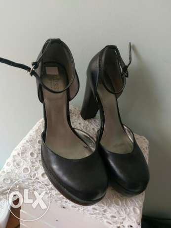 size 39 guess shoes