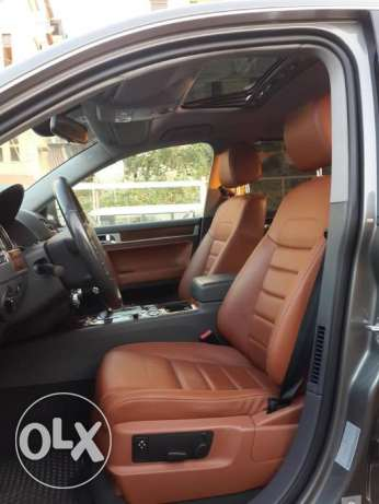 VW Touareg V6 4WD European specs Fully loaded Excellent condition ! كسروان -  3