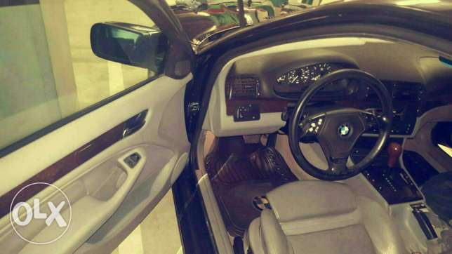 BMW Car for sale راس  بيروت -  5