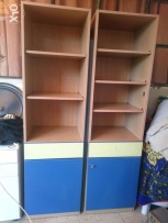 Hello I'm selling two shelves closets 60$ only, still as new خزانة 2