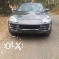 Porsche Cayenne S 4.8 very clean ajnabi can be installment throught th