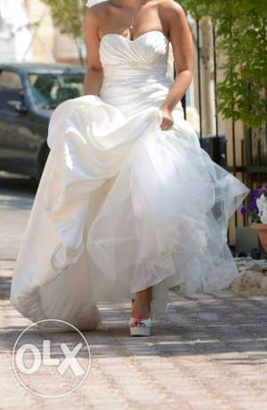wedding dress (for sale)