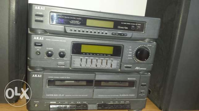 Stereo AKAI with 2 speakers AKAI and AUX output made in Japan
