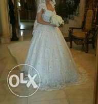Luxury wedding dress for rent