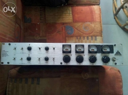 Pre amp tube behringer perfect condition