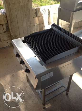 grill ، غرل فحم حجري