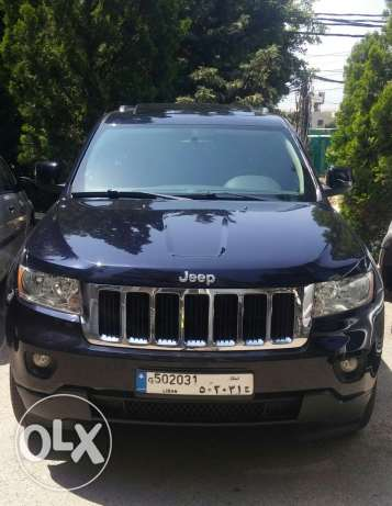 Grand cherokee 2011 fully loaded with clean carfax & tittles