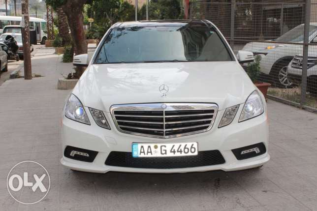 E350 white model2010 panoramic navigation rear camera look AMG