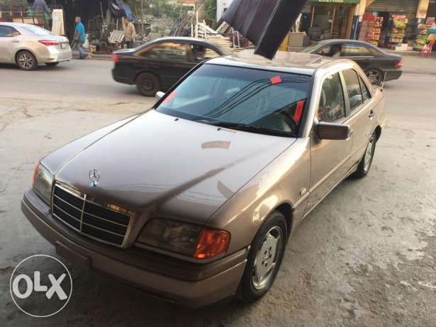 C180 super clean model 96 very good condition ma baha chi brown and br النبطية -  6