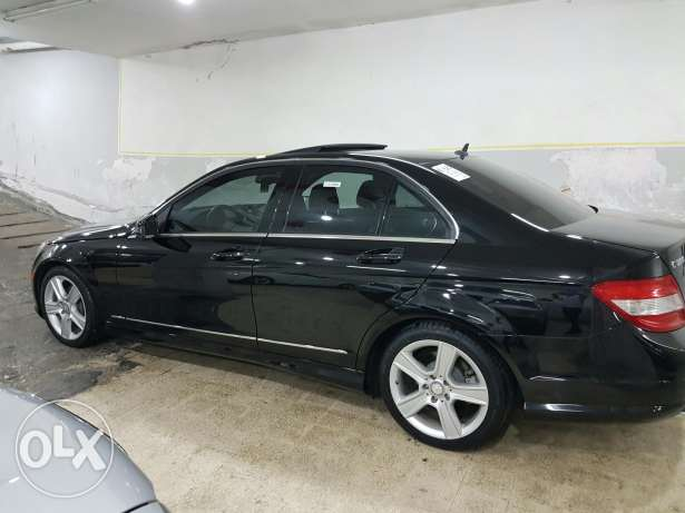 C300 black and black clean car fax look AMG new arrival خلدة -  4