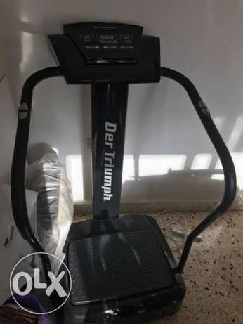 Vibration plateform machine! Slimming down in just 10 minutes a day:)