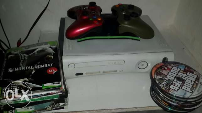 Xbox 360 .with 33 game ..price 150 $