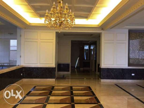 AP1804: 330 Sqm Apartment for Sale in Caracas, Beirut
