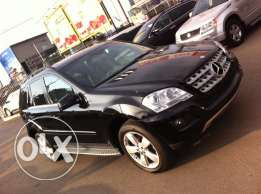 Mercedes ML350 4-Matic mod:2011-Black with Beige Leather