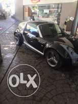 Smart roadster black convertible model 2004