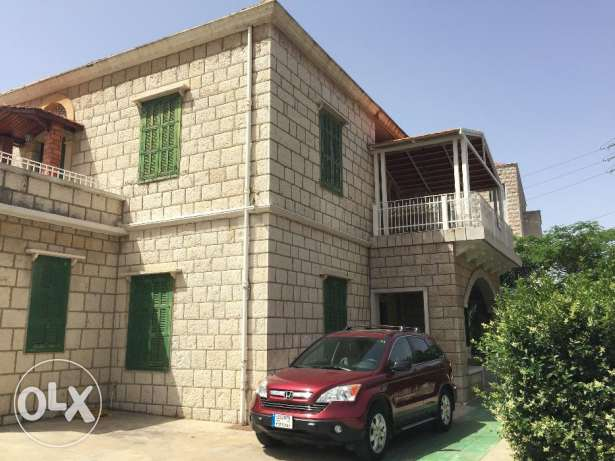 Large Apartment in Baabdat - Yearly Rent
