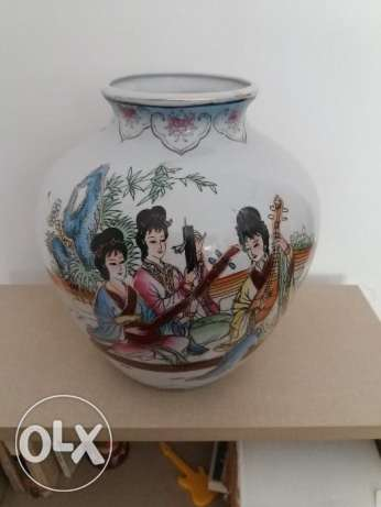chinese musical muse vase.