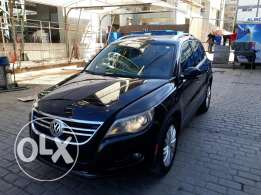 Tigwan black 2.0 clean carfax