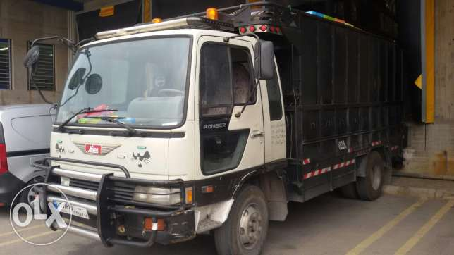 Hino pick up mod 2000 very clean