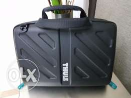 Computer / Black Hard Case Bag - THULE