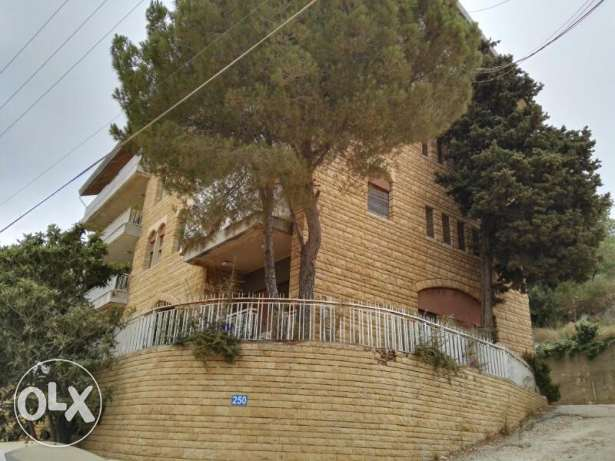 A 1400m beautiful building in a very quiet street at Beit Merry
