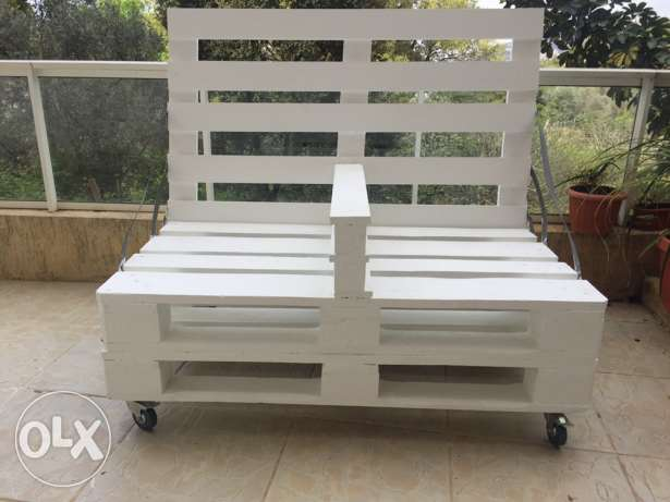 outdoor seat and table