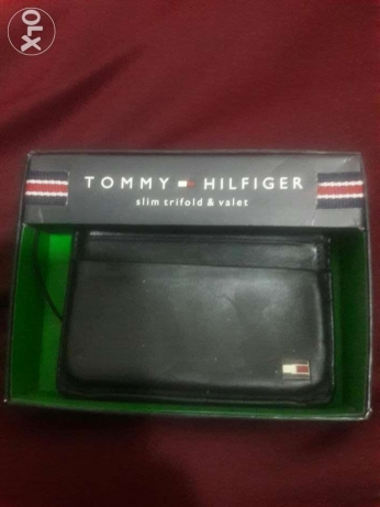 Tommy Hilfiger card holder used for a month