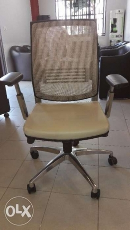 Office Furniture For Sale Like new كسروان -  5