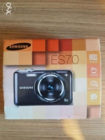 Samsung Dig ES70 Camera 12.2 Mp + 2gb Sdcard + cables(Charger +Output)
